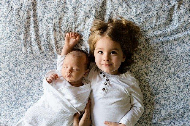 używane ubranka dla niemowląt